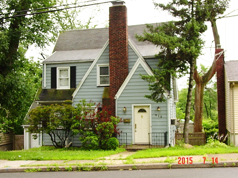Single Family Home for Sale at 912 W Chestnut Street Union, New Jersey 07083 United States