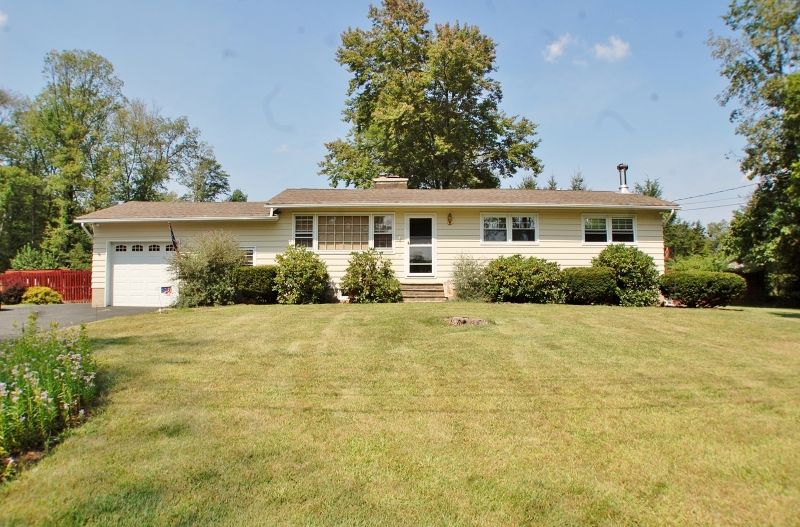 Single Family Home for Sale at 10 Starlight Road Oak Ridge, New Jersey 07438 United States