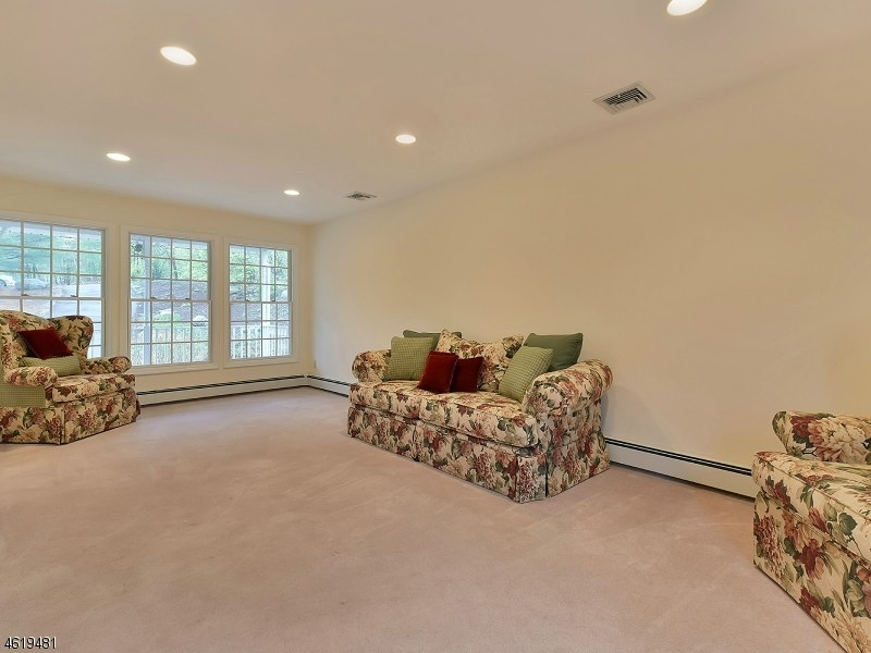 Additional photo for property listing at 3 PUDDING STONE LANE  Oak Ridge, New Jersey 07438 United States