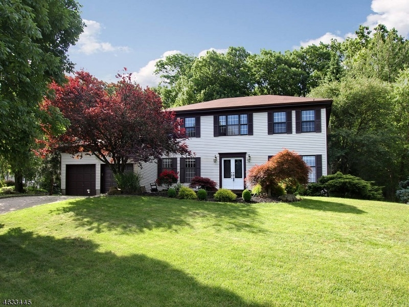 Additional photo for property listing at 235 Killarney Drive  Berkeley Heights, New Jersey 07922 États-Unis