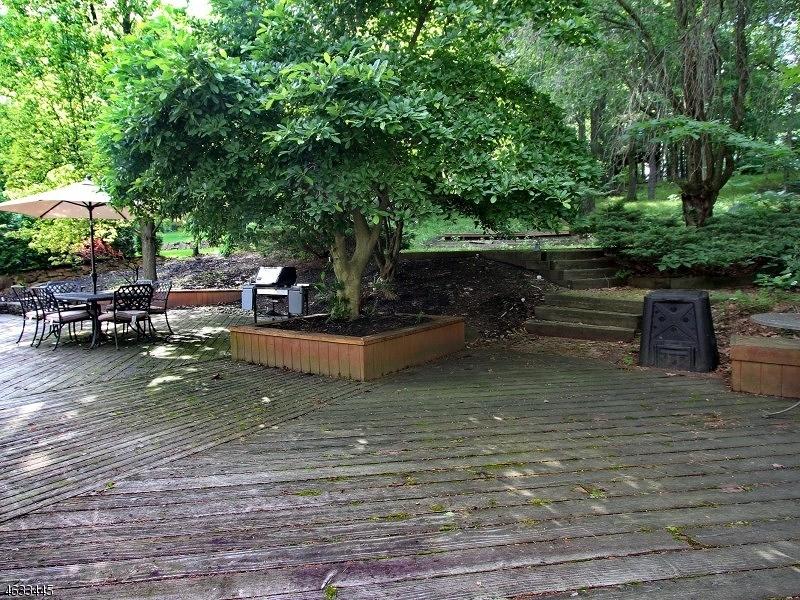Additional photo for property listing at 235 Killarney Drive  Berkeley Heights, Nueva Jersey 07922 Estados Unidos