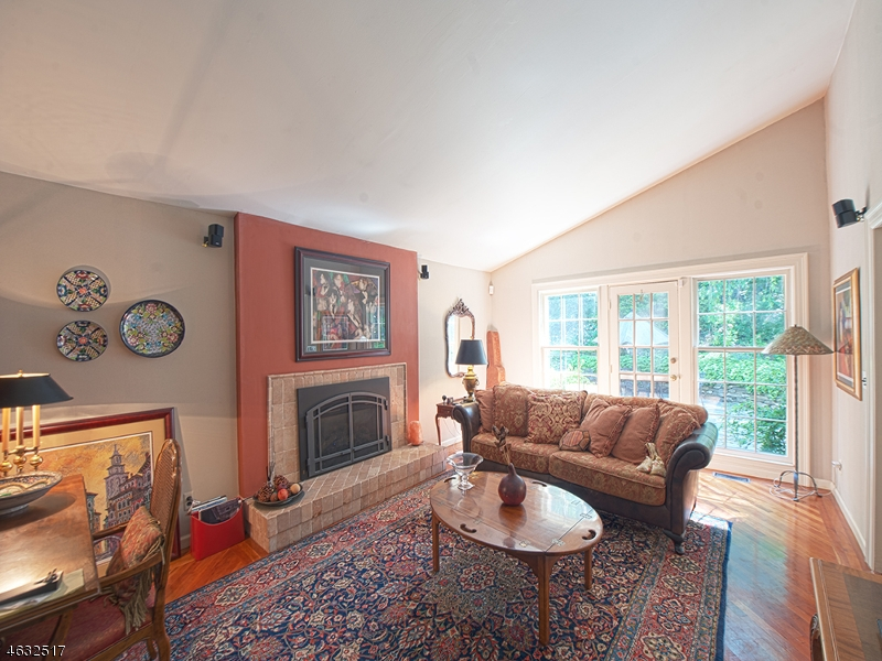 Additional photo for property listing at 1045 PINES LAKE Drive  Wayne, New Jersey 07470 United States