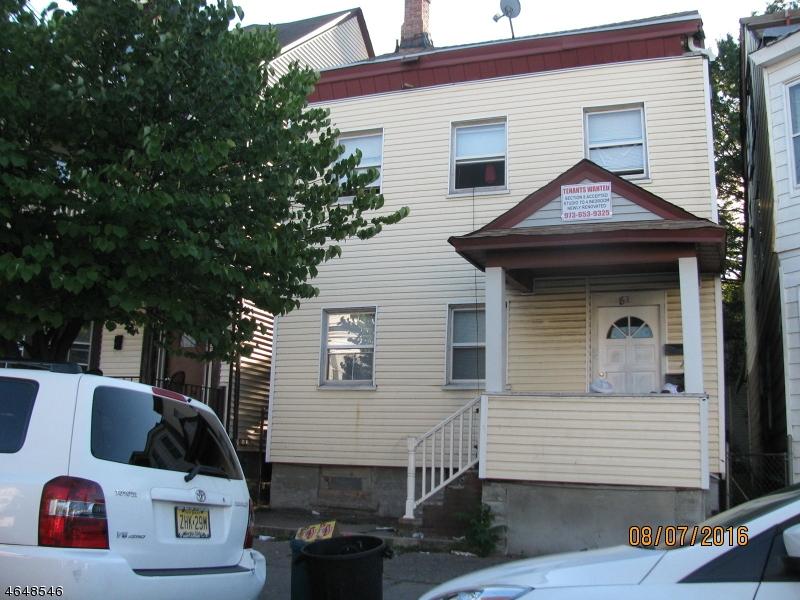 Многосемейный дом для того Продажа на 82 Graham Avenue Paterson, Нью-Джерси 07524 Соединенные Штаты