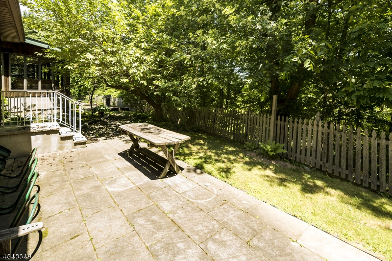 Additional photo for property listing at 620 Franklin Tpke  Allendale, New Jersey 07401 United States