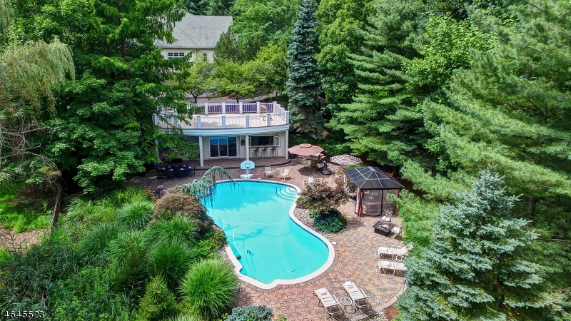 Additional photo for property listing at 10 Sherwood Court  Warren, New Jersey 07059 United States