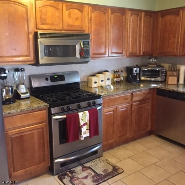 Additional photo for property listing at 654-656 N 9TH Street  Newark, Nueva Jersey 07107 Estados Unidos