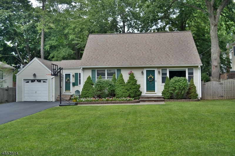 Additional photo for property listing at 25 CANTERBURY Drive  Ramsey, New Jersey 07446 United States