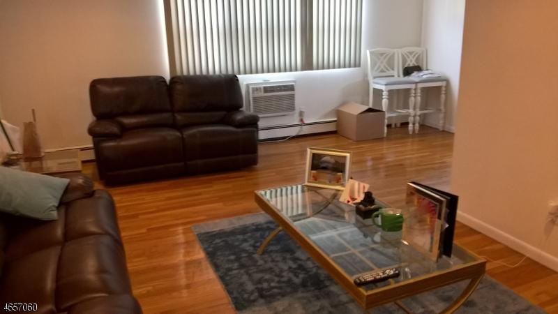 独户住宅 为 出租 在 180-182 ATLANTIC Street Paterson, 07503 美国