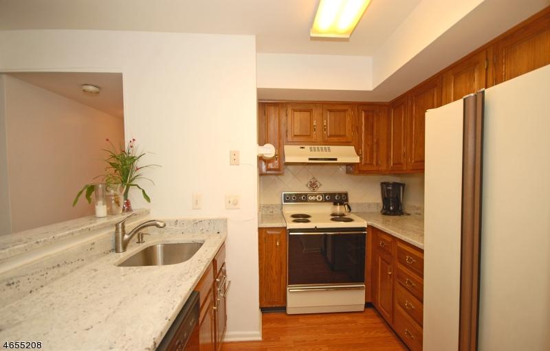 Additional photo for property listing at 76 Sage Court  Bedminster, Nueva Jersey 07921 Estados Unidos