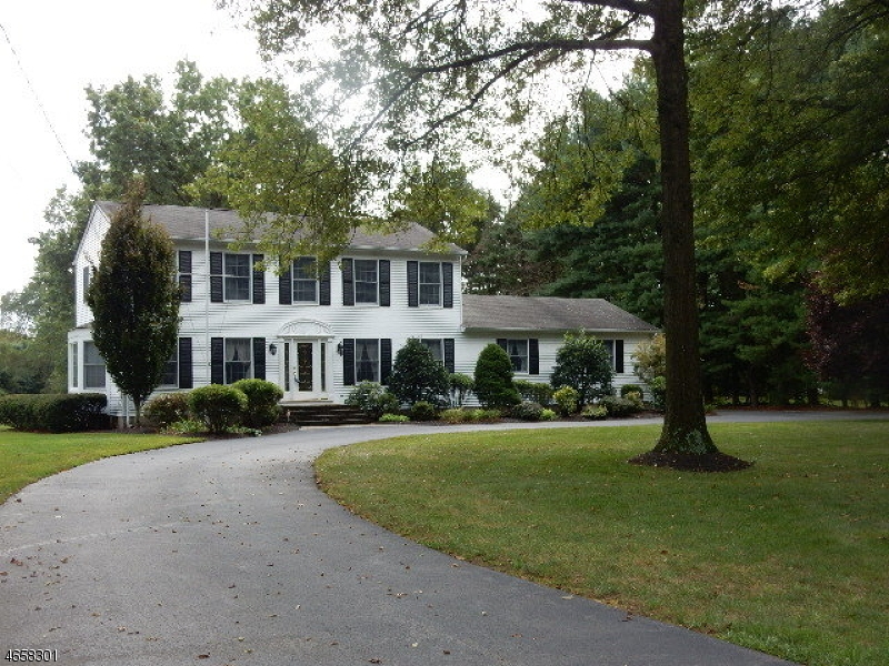 Additional photo for property listing at 101 Mountain Avenue  Pompton Plains, New Jersey 07444 United States