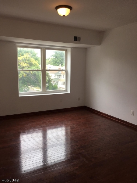 Additional photo for property listing at 133 N Maple Ave, 302  East Orange, New Jersey 07017 United States