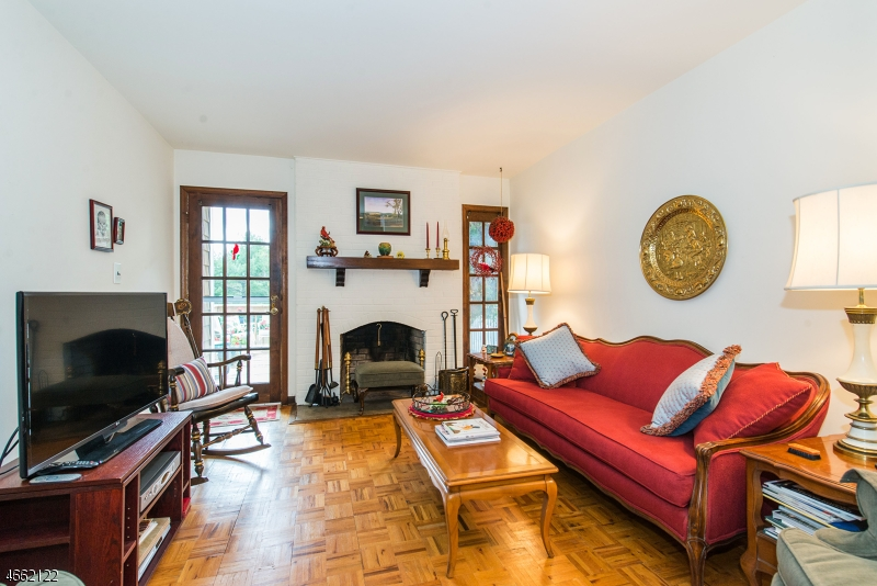 Additional photo for property listing at 15 Pembroke Drive  Mendham, Нью-Джерси 07945 Соединенные Штаты