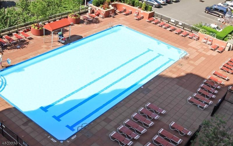 Additional photo for property listing at 100 Winston Dr, CN10C  Cliffside Park, New Jersey 07010 États-Unis