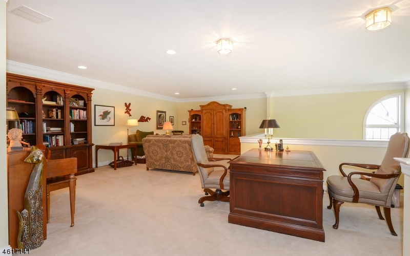 Additional photo for property listing at 9 Wyckoff Way  Chester, New Jersey 07930 États-Unis