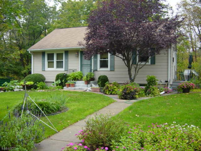 Additional photo for property listing at 23 Washington Drive  Whitehouse Station, Nueva Jersey 08889 Estados Unidos