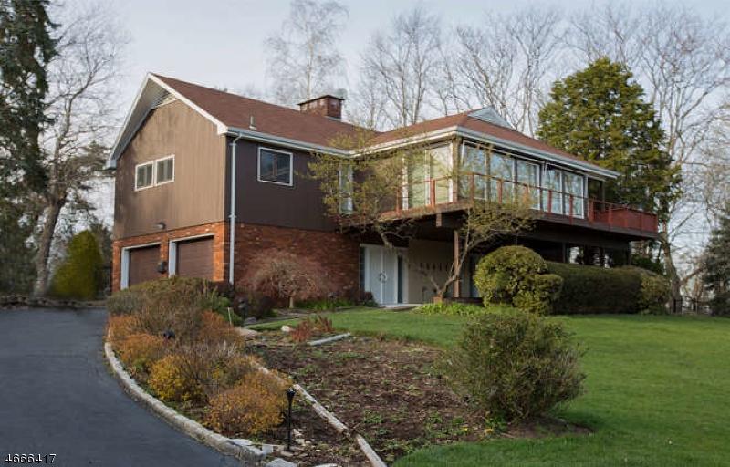Casa Unifamiliar por un Venta en 811 Golf Place Oradell, Nueva Jersey 07649 Estados Unidos