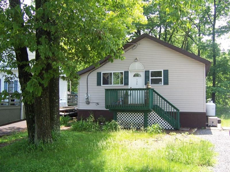 Частный односемейный дом для того Аренда на 125 Vermont Trail Hopatcong, Нью-Джерси 07843 Соединенные Штаты