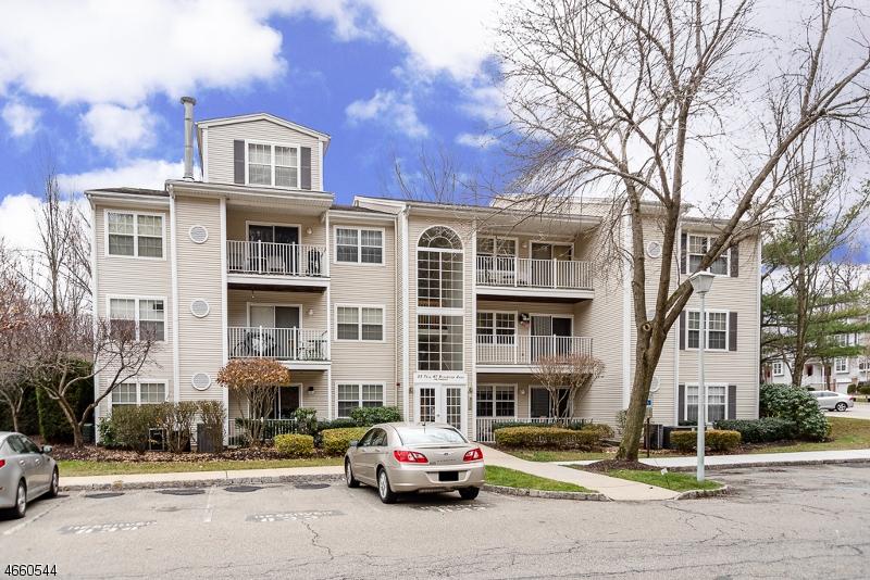 Частный односемейный дом для того Аренда на 35 Brookside Lane Mount Arlington, 07856 Соединенные Штаты