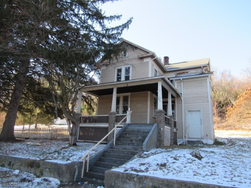 Single Family Home for Sale at 295 State Route 31 N Oxford, 07863 United States