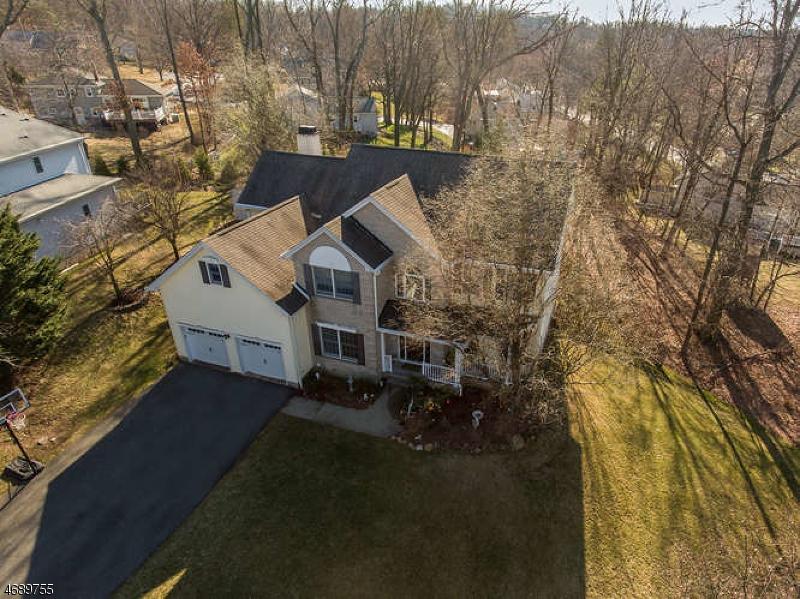 Частный односемейный дом для того Продажа на 14 Lafayette Drive Cedar Grove, 07009 Соединенные Штаты