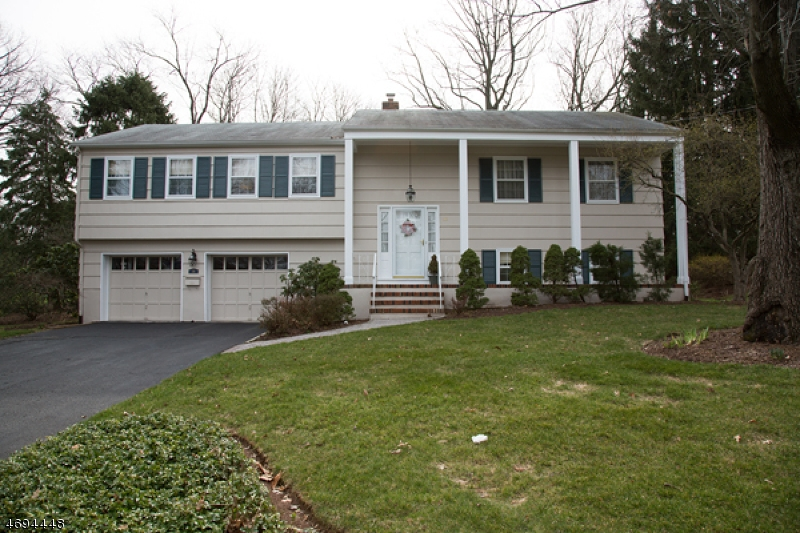 Single Family Home for Rent at 36 Manitou Circle Westfield, New Jersey 07090 United States