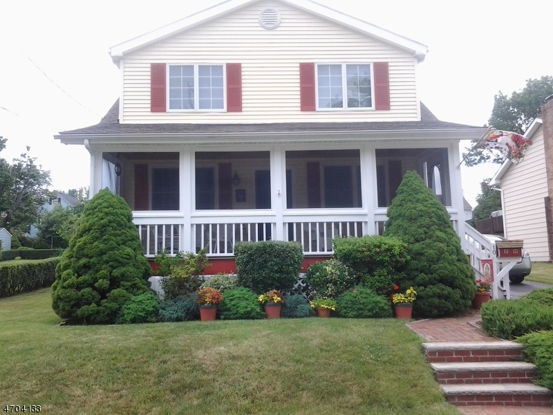 Single Family Home for Sale at 10 Hillside Avenue Netcong, New Jersey 07857 United States