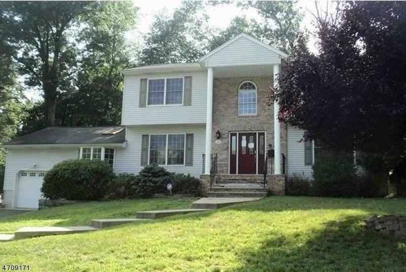 Частный односемейный дом для того Продажа на 24 Ladik Place Montvale, Нью-Джерси 07645 Соединенные Штаты