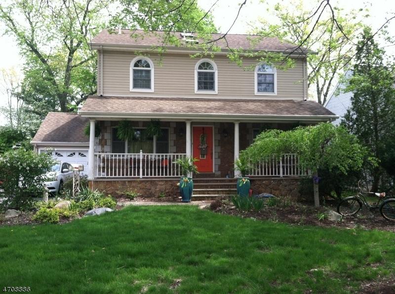 Maison unifamiliale pour l Vente à 16 Franklin Tpke Allendale, New Jersey 07401 États-Unis