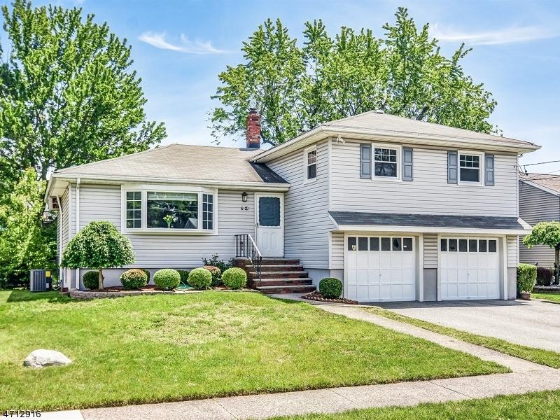 Частный односемейный дом для того Продажа на 7-44 Richard Street Fair Lawn, Нью-Джерси 07410 Соединенные Штаты