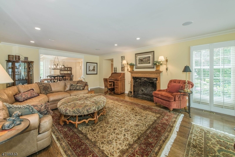Additional photo for property listing at 150 OLDCHESTER Road  Essex Fells, New Jersey 07021 États-Unis
