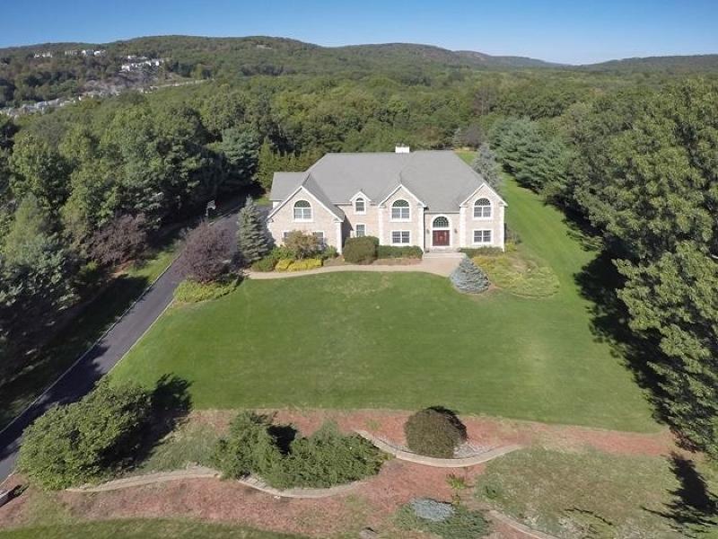 独户住宅 为 销售 在 4 Stony Point Road 奥克兰, 新泽西州 07436 美国