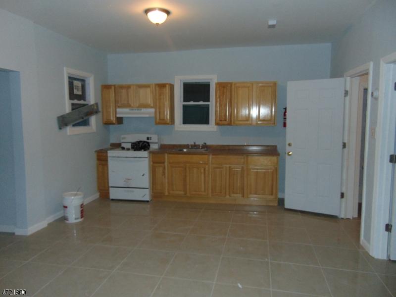 Additional photo for property listing at 443 Fulton Street  Elizabeth, Нью-Джерси 07206 Соединенные Штаты