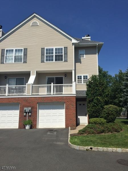 Частный односемейный дом для того Аренда на 1 Castle Drive Berkeley Heights, Нью-Джерси 07922 Соединенные Штаты