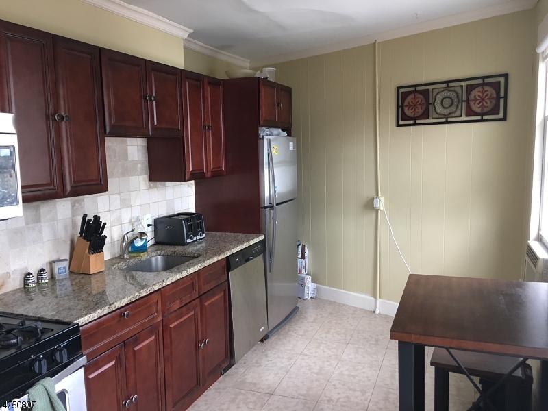 Casa Unifamiliar por un Alquiler en 239 Godwin Avenue Midland Park, Nueva Jersey 07432 Estados Unidos