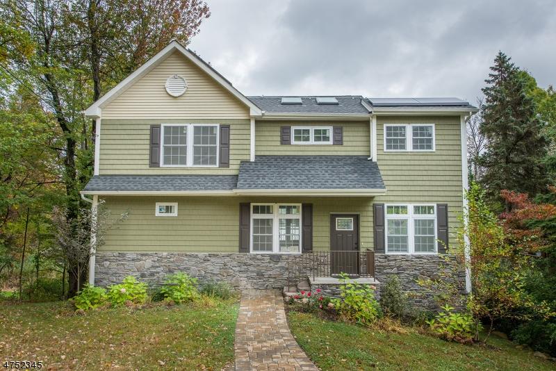 Частный односемейный дом для того Продажа на 403 E Lakeshore Drive Vernon, Нью-Джерси 07422 Соединенные Штаты