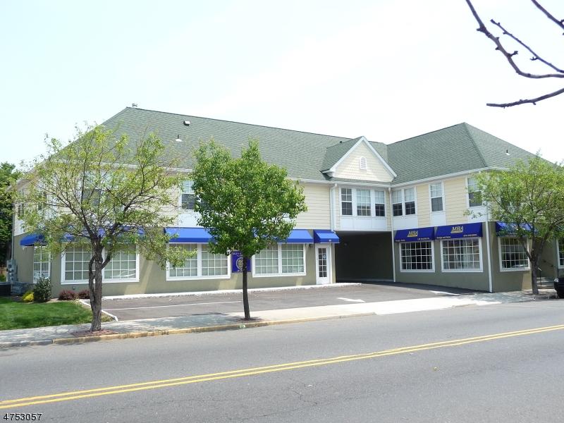 Maison unifamiliale pour l à louer à 150-152 FRANKLIN Street Belleville, New Jersey 07109 États-Unis
