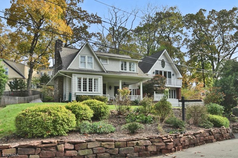 Einfamilienhaus für Verkauf beim 32 Cedars Road Caldwell, New Jersey 07006 Vereinigte Staaten