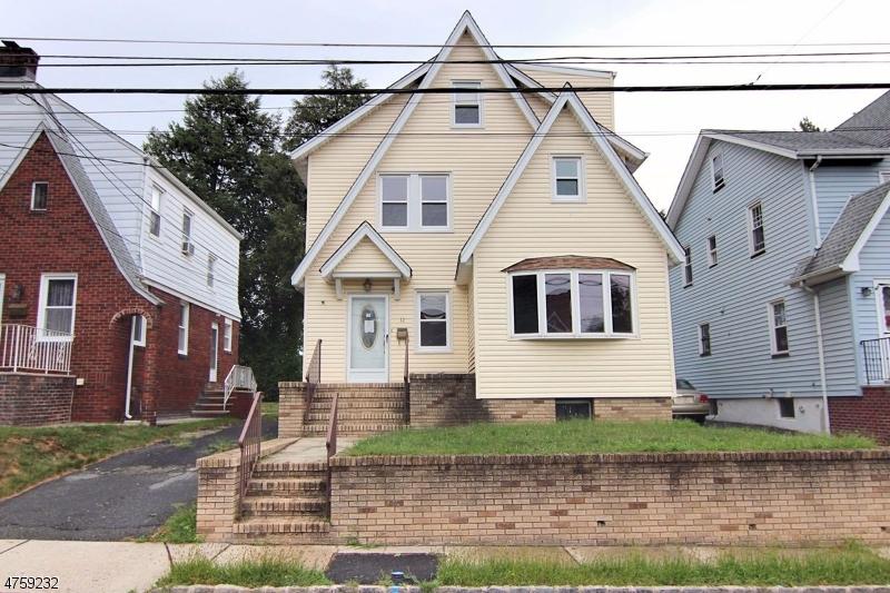Einfamilienhaus für Verkauf beim 12 Fairway Avenue 12 Fairway Avenue Belleville, New Jersey 07109 Vereinigte Staaten