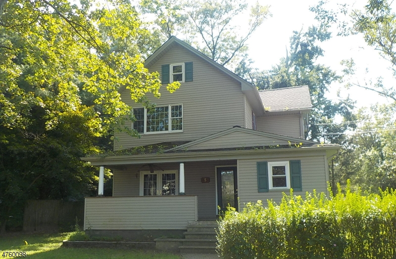 Single Family Home for Sale at 5 Willow Avenue 5 Willow Avenue Aberdeen, New Jersey 07747 United States