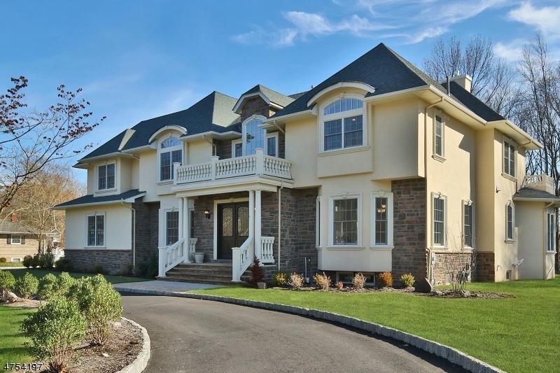 Частный односемейный дом для того Продажа на 6 Fairway Court 6 Fairway Court Scotch Plains, Нью-Джерси 07076 Соединенные Штаты