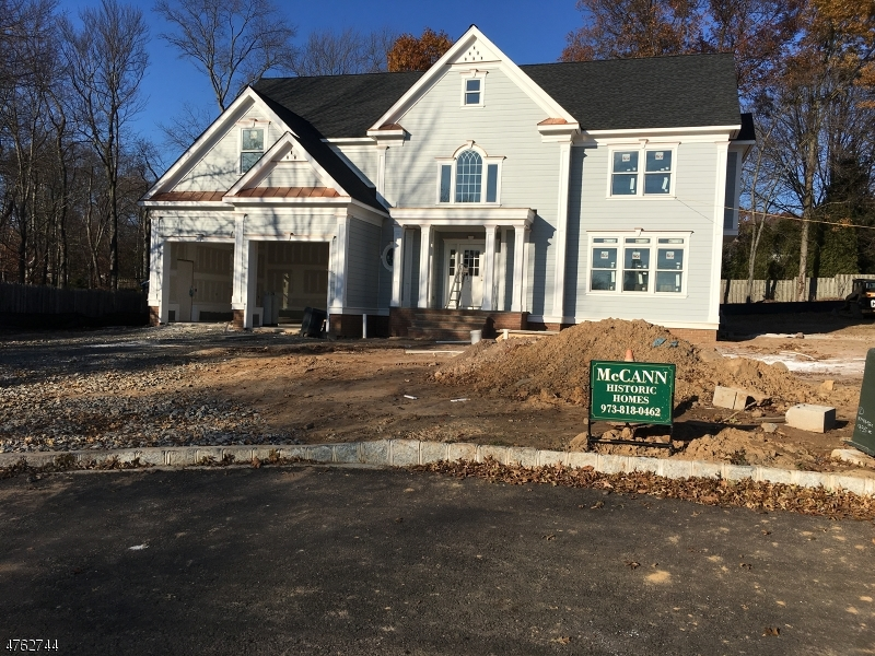 Single Family Home for Sale at 1 Meadow Court 1 Meadow Court Madison, New Jersey 07940 United States