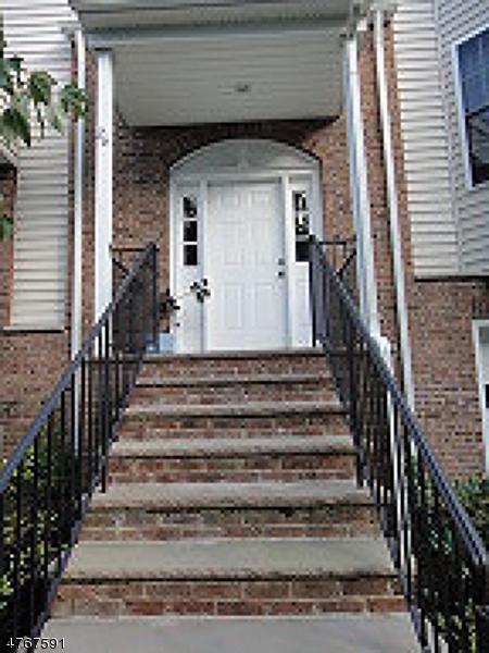 Maison unifamiliale pour l à louer à 6 Mountain View Court Riverdale, New Jersey 07457 États-Unis