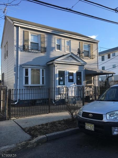 多戶家庭房屋 為 出售 在 897 Clifton Avenue Newark, 新澤西州 07104 美國