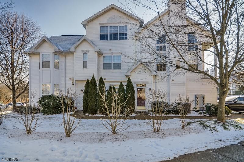 Casa Unifamiliar por un Alquiler en 33 Hancock Drive Morris Township, Nueva Jersey 07960 Estados Unidos