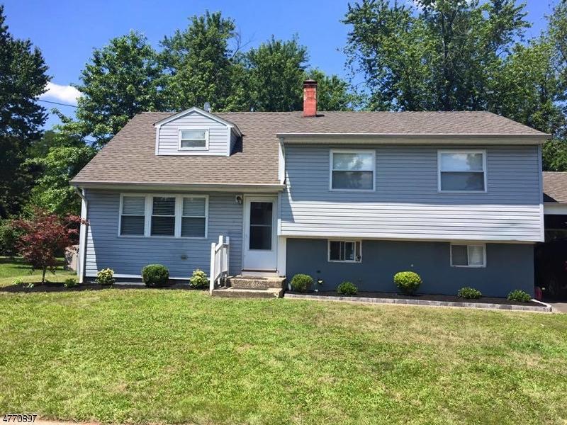 Casa Unifamiliar por un Alquiler en 8 Ulysses Road Franklin, Nueva Jersey 08873 Estados Unidos