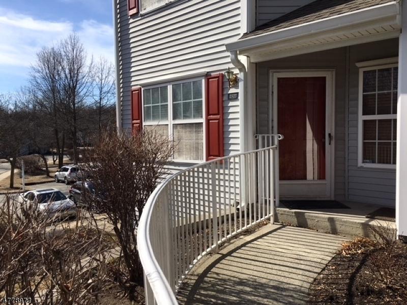 Maison unifamiliale pour l à louer à 4810 Tudor Drive Pequannock, New Jersey 07444 États-Unis