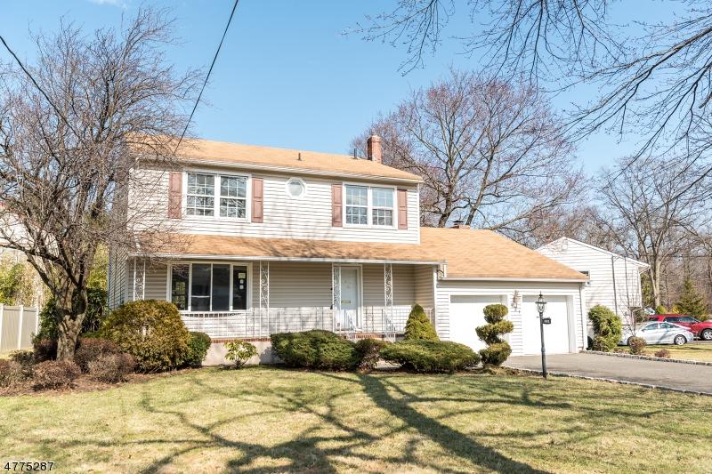 独户住宅 为 销售 在 921 W Lake Avenue 拉维, 新泽西州 07065 美国