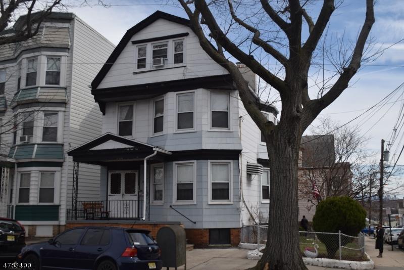 Casa Multifamiliar por un Venta en 174 Devon Street Kearny, Nueva Jersey 07032 Estados Unidos
