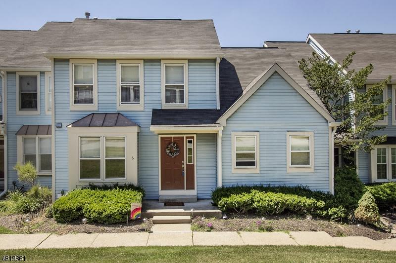 Condo / Casa geminada para Venda às 5 BOB WHITE Allamuchy, Nova Jersey 07840 Estados Unidos