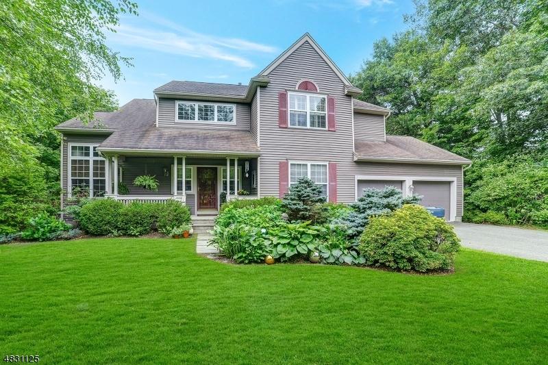 独户住宅 为 销售 在 1 SOUTHWOODS Lane Jefferson Township, 新泽西州 07438 美国